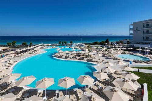 9 new pool panoramic-min